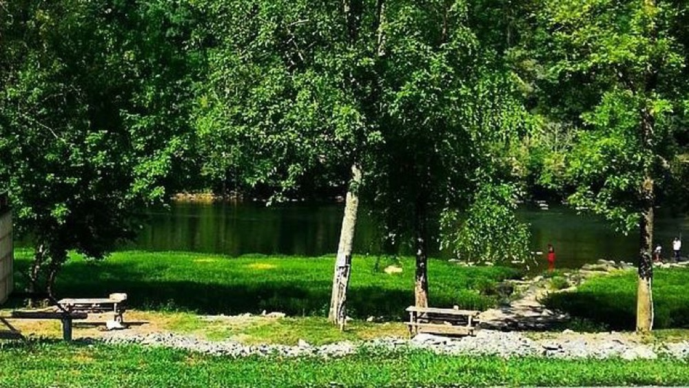 Berry's Campground - Hinton, WV - Campgrounds
