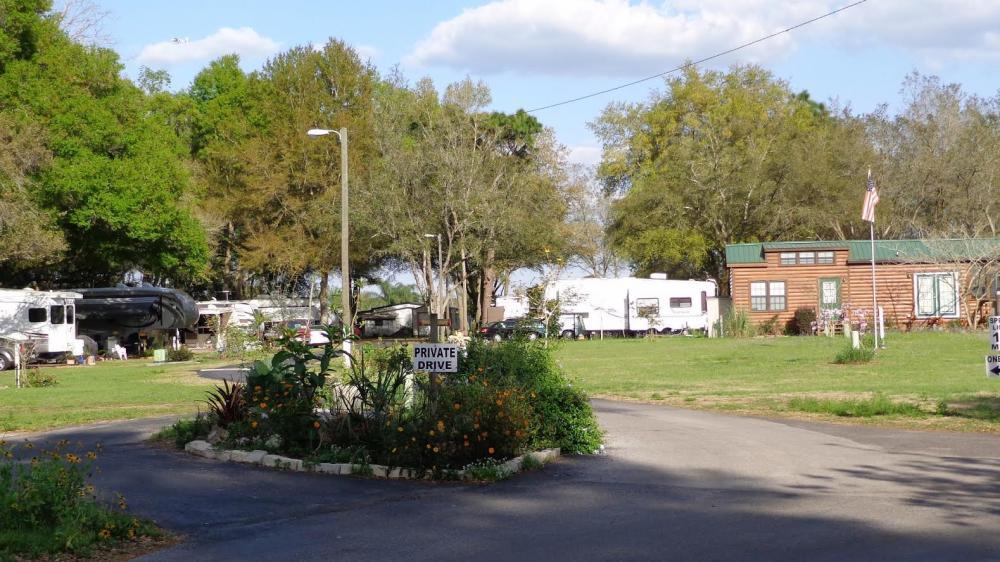 Magnolia Trace RV Park - Zephyrhills, FL - Campgrounds