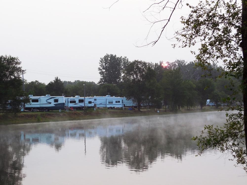 Leisure Lake Campgrounds - Rock Falls, IL