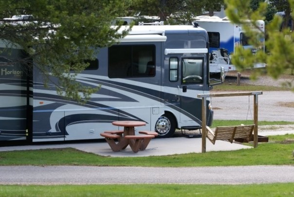 Yellowstone national park full hookup rv sites