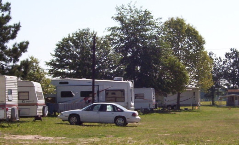 Lazy Acres Motel & RV Park - Gold Hill, OR - Campgrounds