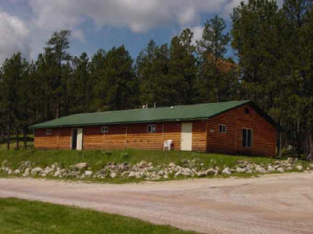 Custer mountain cabins campground custer sd campgrounds for Cabins near custer sd